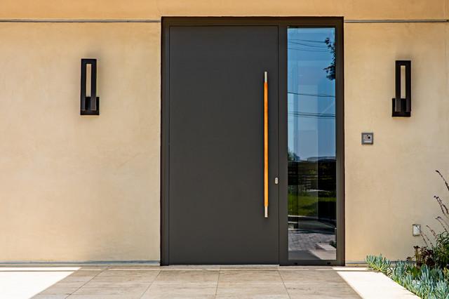 10 причини да изберем по-висок клас входна врата отколкото входна врата на по-ниска цена